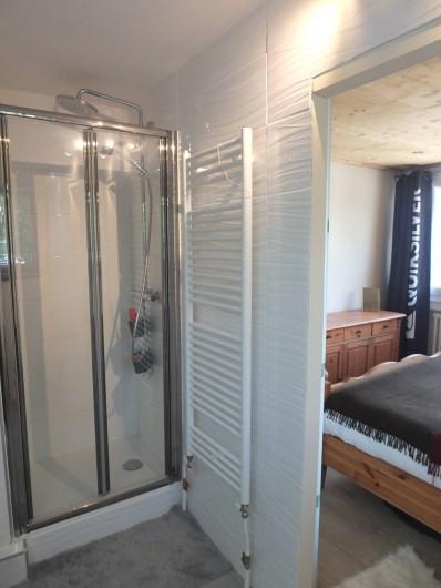 Location de vacances - Appartement à L'Alpe d'Huez - SDB SUITE PARENTALE VUE2