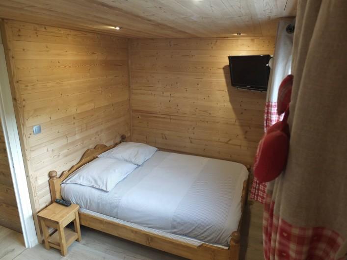 Location de vacances - Appartement à L'Alpe d'Huez - CHAMBRE FAMILIALE VUE 1