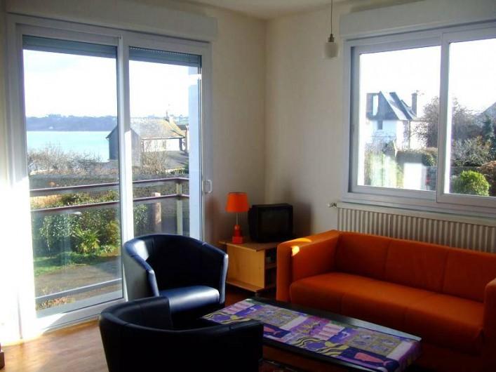 Location de vacances - Villa à Perros-Guirec - Salon, (vue sur mer)