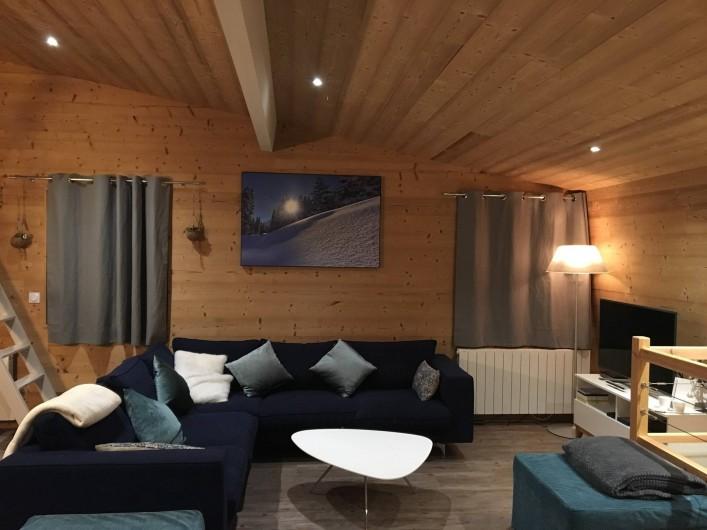 Location de vacances - Chalet à Les Avanchers-Valmorel - séjour, tv, dvd, console de jeux wii, wifi gratuit