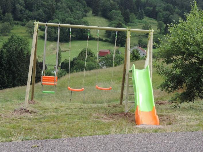 Location de vacances - Chalet à Saint-Maurice-sur-Moselle - Jeux extérieurs dans le Jardin