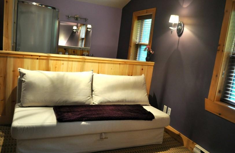 Location de vacances - Chalet à Val-David - Chambre ÉMERVEILLEMENT - Canapé Lit double