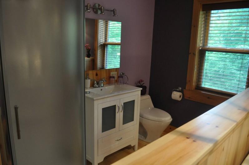 Location de vacances - Chalet à Val-David - Salle de bain Chambre ÉMERVEILLEMENT