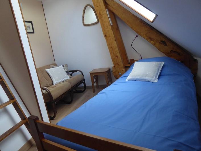 Location de vacances - Chambre d'hôtes à Oris-en-Rattier - chambre : Coiro avec un lit en mezzanine