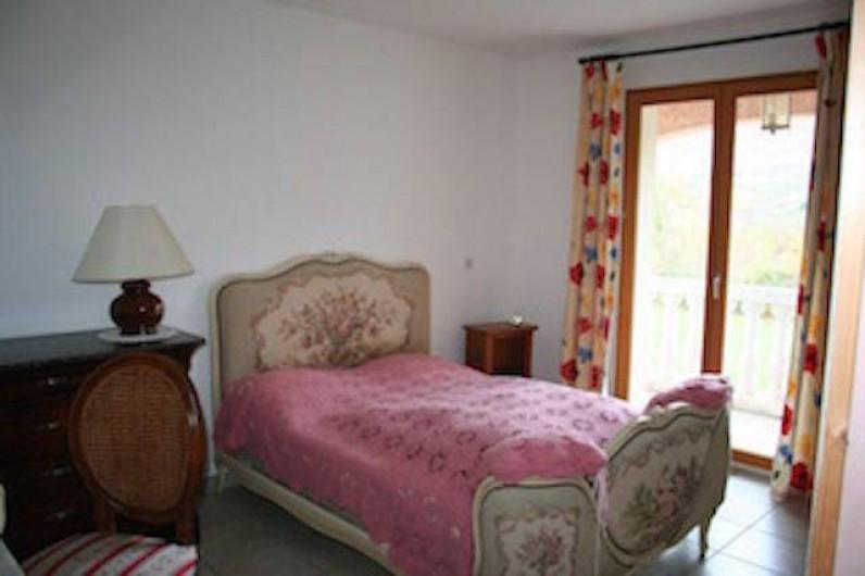 Location de vacances - Villa à Saint-Martin-sur-Lavezon - Chambre 1  avec balcon