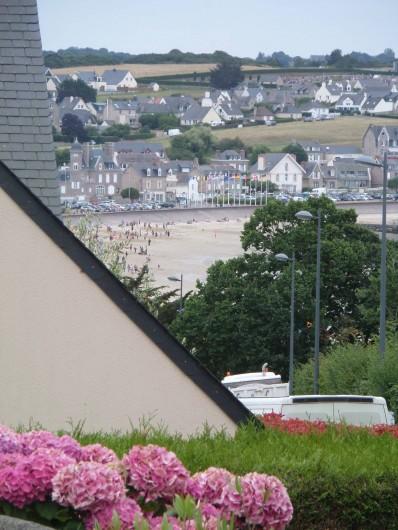 Location de vacances - Maison - Villa à Erquy - Petite vue mer du terrain