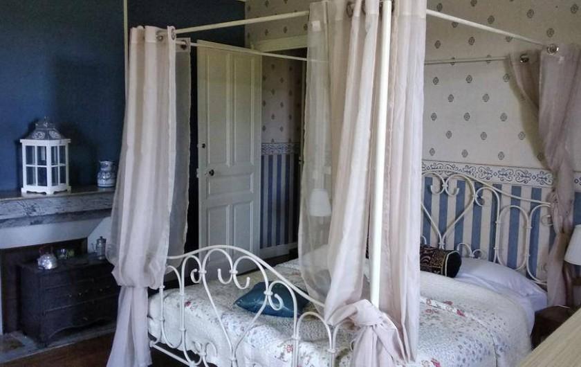 Location de vacances - Chambre d'hôtes à Bessines-sur-Gartempe - Chambre de Ballet   3 person room  second floor 2 persons 95 euros 3 persons 110