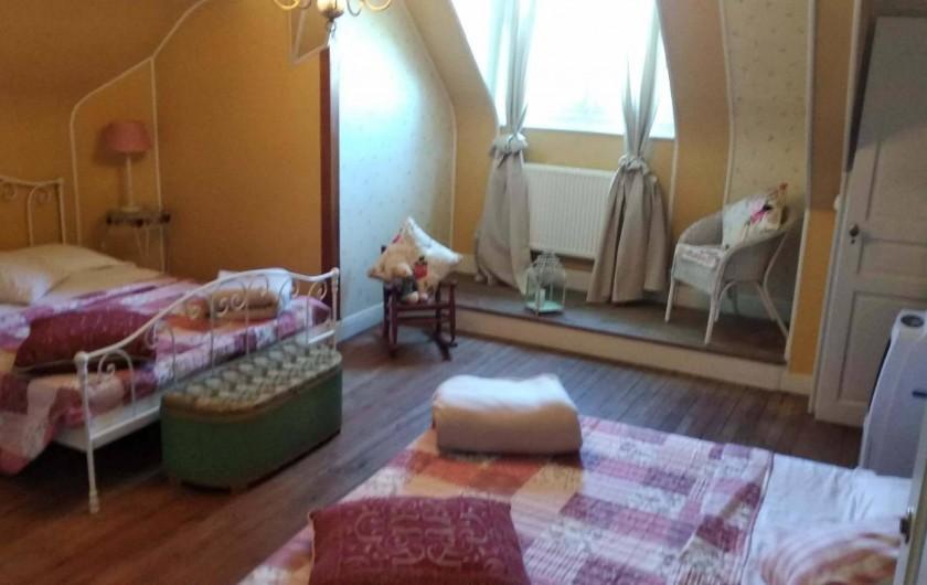 Location de vacances - Chambre d'hôtes à Bessines-sur-Gartempe - Chambre de Roses  4 person room , third floor clima , 140 euros
