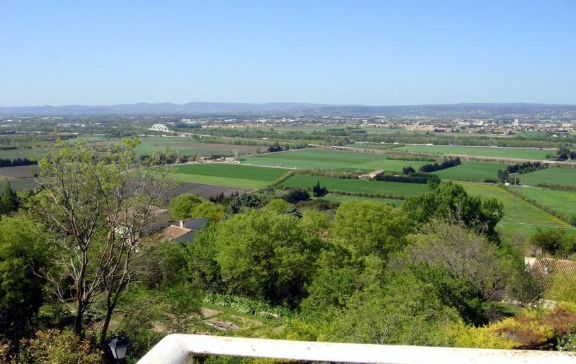 Location de vacances - Gîte à La Garde-Adhémar - Vue Ouest montagnes de l'Ardèche depuis la terrasse de la chambre