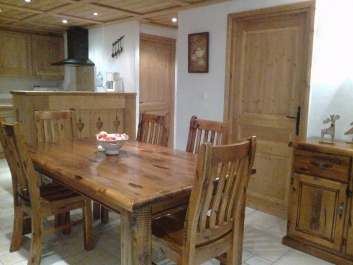 Location de vacances - Appartement à Valloire - Chalet Marie C02, salon et sàm, cuisine américaine