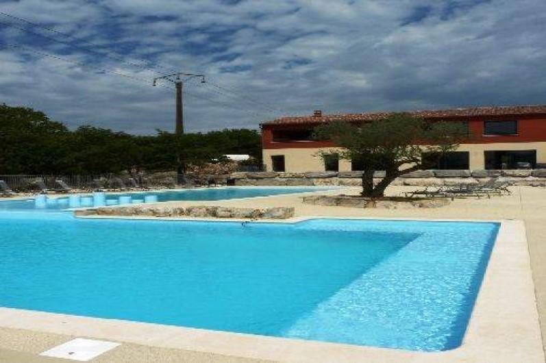 Location de vacances - Chalet à Saint-Alban-Auriolles -  Piscine, chalet Sud Ardèche Rev'o Thijol