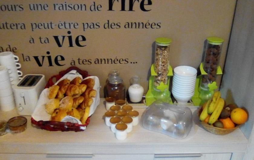 Location de vacances - Chambre d'hôtes à Saint-Étienne-du-Valdonnez - Petit déjeuner à l'Auberge du Bramont à St Etienne du Valdonnez en Lozère 48