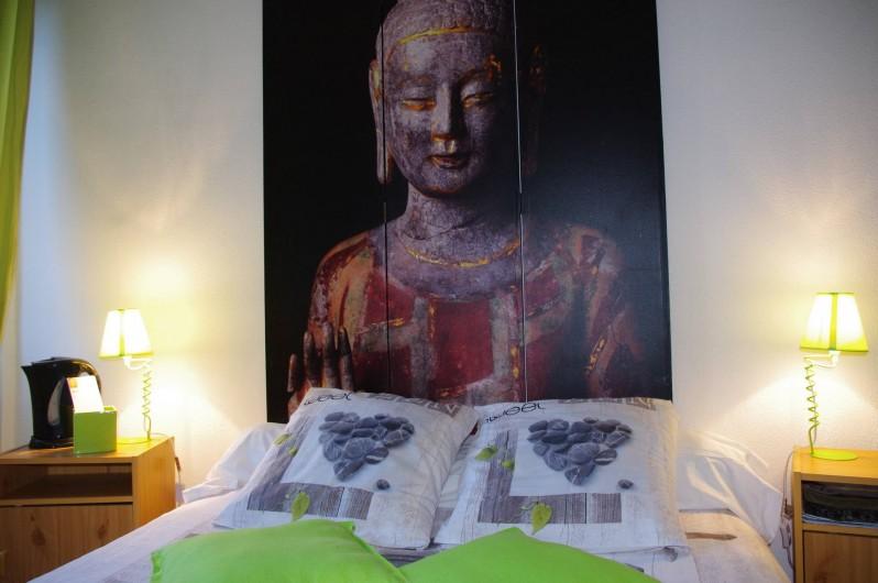 Location de vacances - Chambre d'hôtes à Saint-Étienne-du-Valdonnez - La chambre Zen pour un couple à l'Auberge du Bramont à St Etienne du Valdonnez