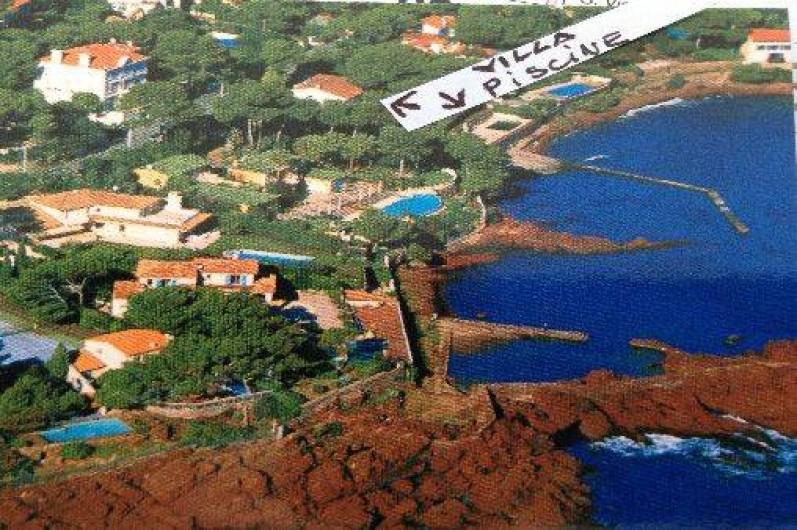 Location de vacances - Villa à Saint-Raphaël - le domaine vu du ciel