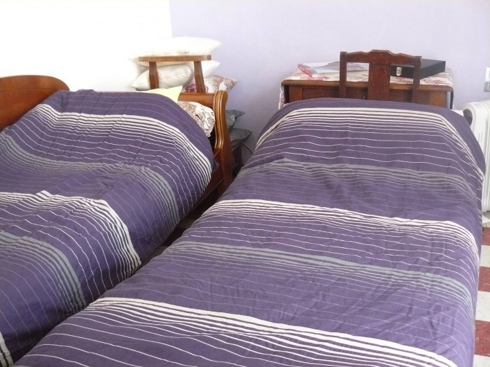 Location de vacances - Chambre d'hôtes à Villeneuve-lès-Béziers - Suite familiale. Le canapé devient 2 lits simples pour des enfants ou des ados