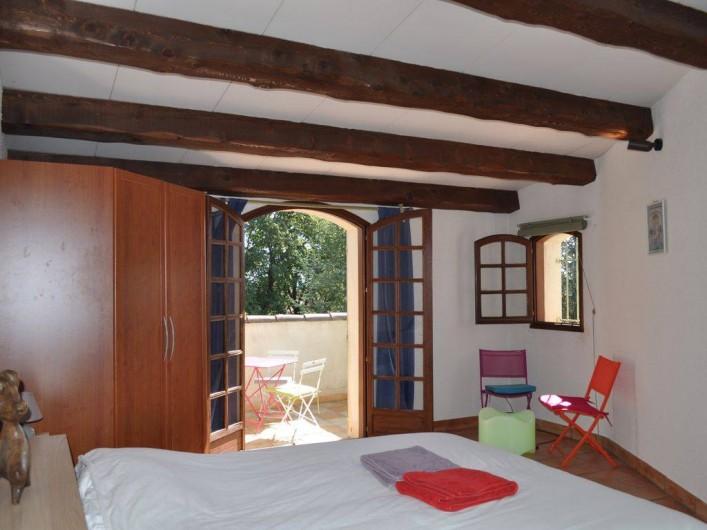Location de vacances - Villa à Saint-Génies-de-Malgoirès - Chambre adulte avec deux lits adulte ou deux lit simple adultes