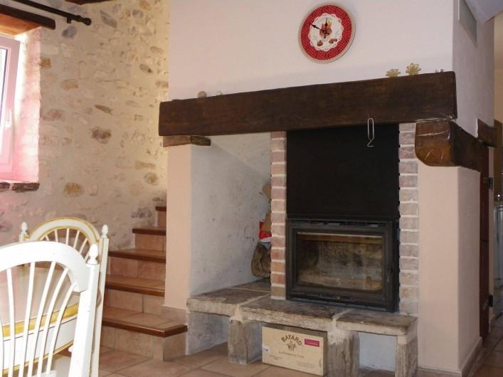 Location de vacances - Gîte à Tharaux - cheminée