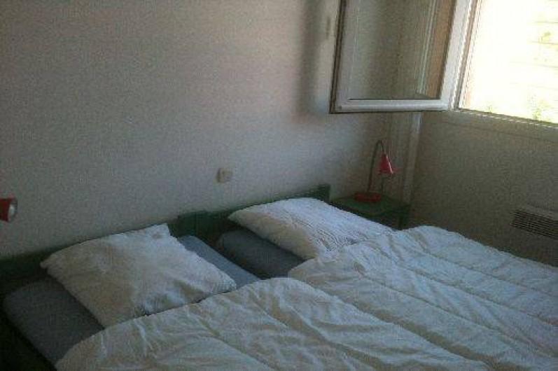 Location de vacances - Villa à Saint-Cyprien - La chambre du rez