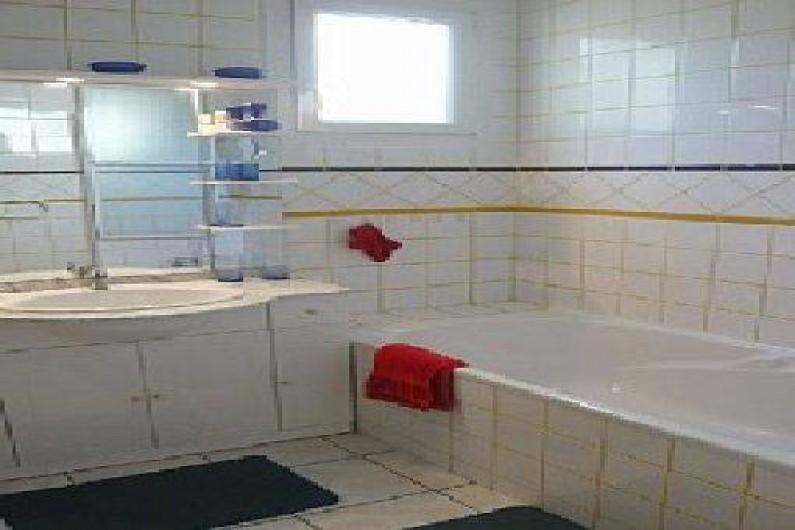 Location de vacances - Villa à Vallon-Pont-d'Arc - salle de bain