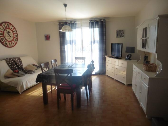 Location de vacances - Appartement à Le Grau d'Agde - salle à manger avec clic clac
