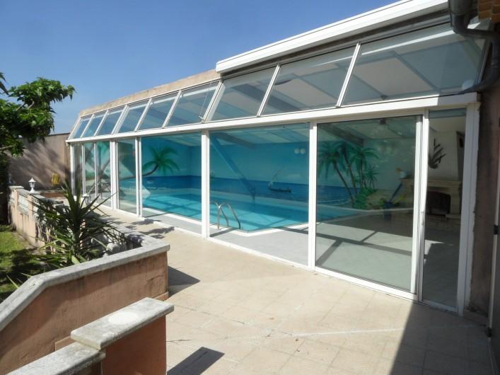 Location de vacances - Villa à Orange - piscine fermée