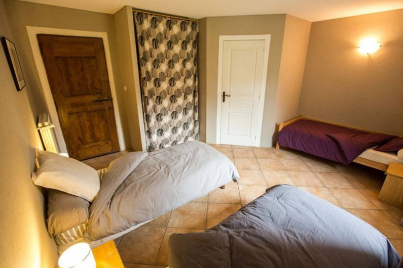 """Location de vacances - Gîte à Castanet-le-Haut - Chambre """"la Remise"""" 20m²"""