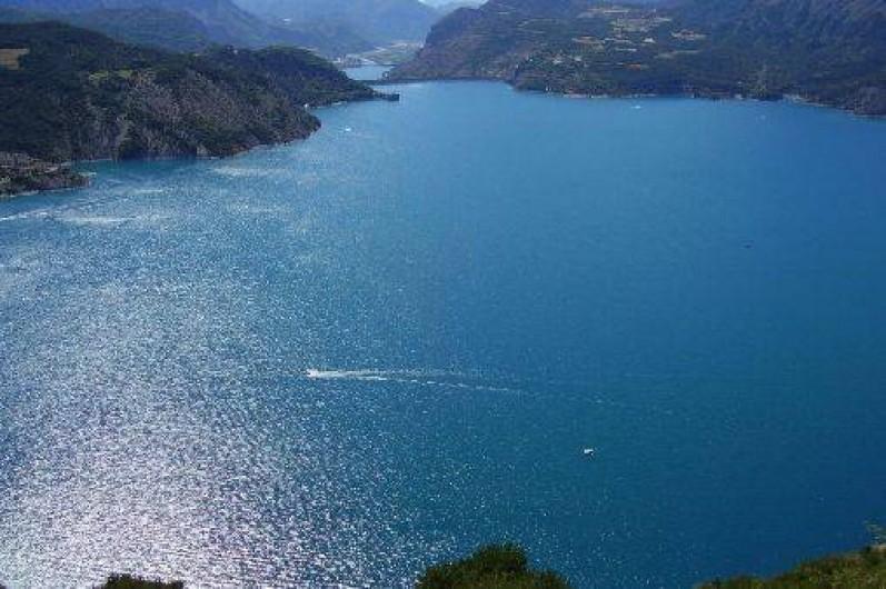 Location de vacances - Chalet à La Bâtie-Vieille - Le lac de Serre-Ponçon