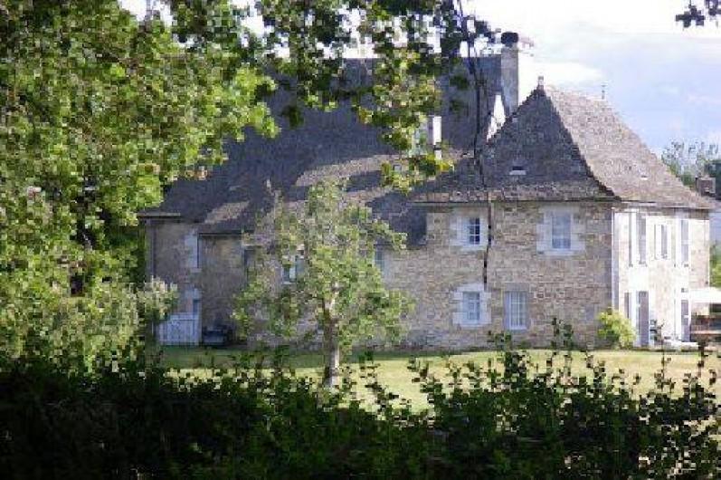 Location de vacances - Chambre d'hôtes à Marcolès - Façade nord