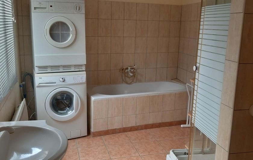 Location de vacances - Gîte à Ingersheim - Salle de bain rez-de-chaussée