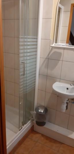 Location de vacances - Gîte à Ingersheim - Salle de bain à l étage