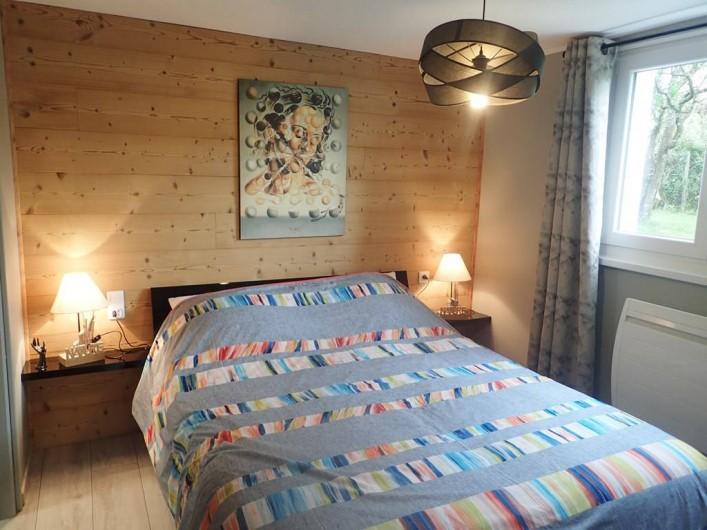 Location de vacances - Appartement à La Cluse-et-Mijoux - La chambre