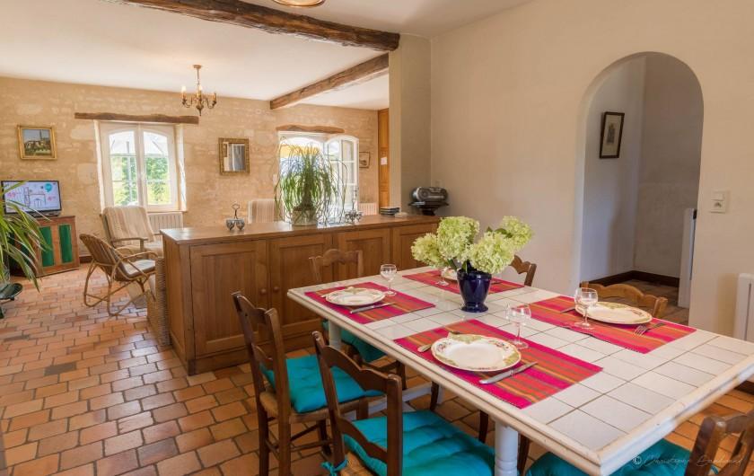 Location de vacances - Gîte à Nieul-sur-l'Autise - Salle à manger -cuisine