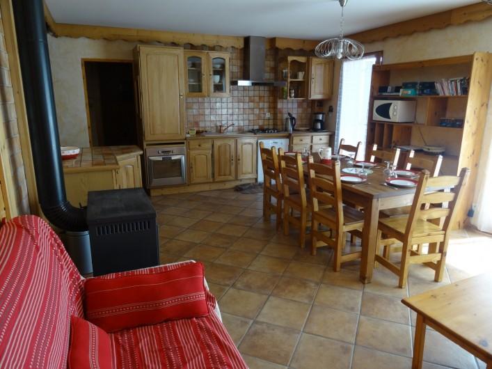 Location de vacances - Appartement à La Toussuire - salle de séjour avec cuisine très bien équipée