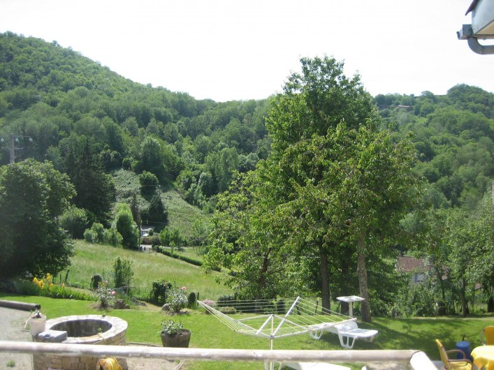 Location de vacances - Appartement à Cransac - Vue sur jardin