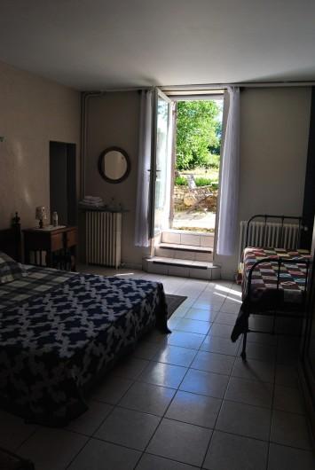 Location de vacances - Chambre d'hôtes à Saint-Avit-Sénieur - La Chambre Les Cèpes pour 3 personnes avec petit terras