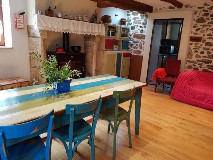 Location de vacances - Gîte à Lassouts - Suite pièce principale