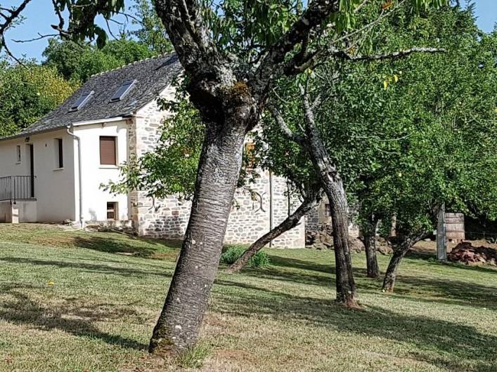 Location de vacances - Gîte à Lassouts - Accès libre aux extérieurs