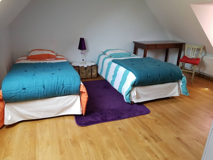 Location de vacances - Gîte à Lassouts - Chambre deux lits 90