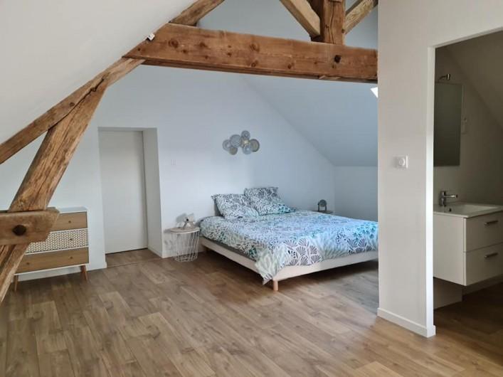 Location de vacances - Gîte à Bournezeau - Chambre romantique 1 lit double + 1 lit simple