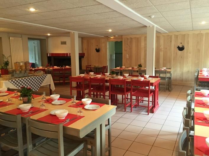 Location de vacances - Chalet à Senones - CHAUMES : sa salle auberge à disposition tout le week-end pour le groupe