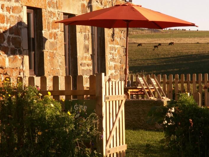 Location de vacances - Gîte à Moudeyres - Gîte de plain-pied avec jardin privatif  clos et mobilier extèrieur