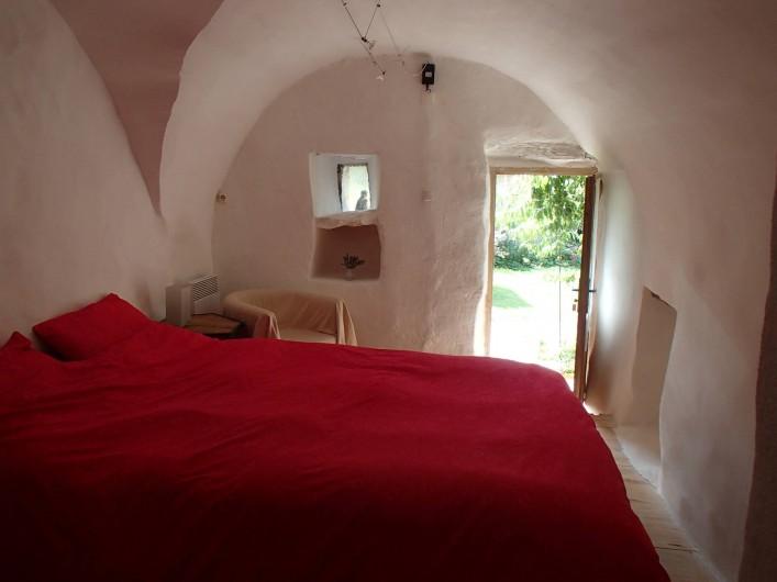 Location de vacances - Gîte à Chorges - chambre autonome (en supplément) vue vers l'extérieur.