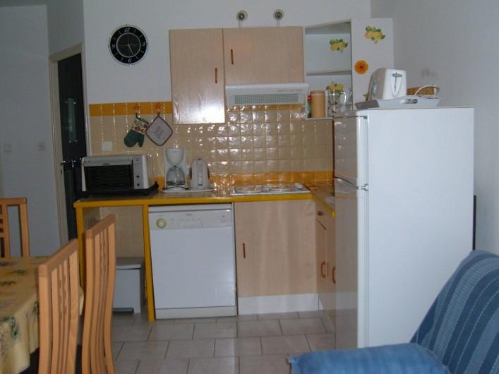 Location de vacances - Gîte à Saint-Romain-en-Viennois - Séjour et coin cuisine Gite 2
