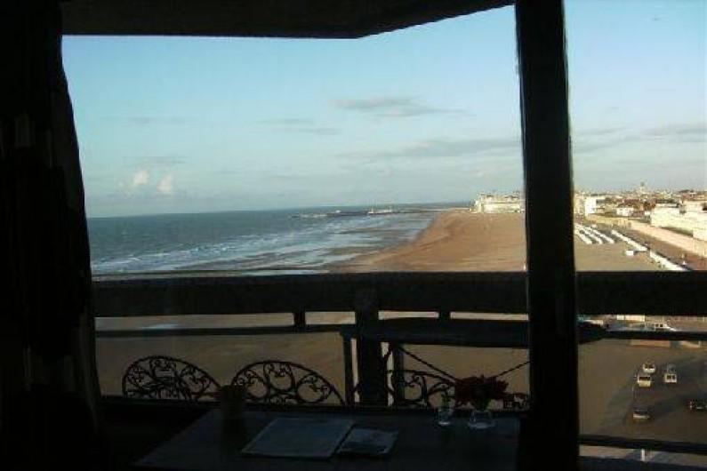 Location de vacances - Appartement à Ostende - 2ième terrasse spacieuse avec vue sur la plage et les Galeries Royales