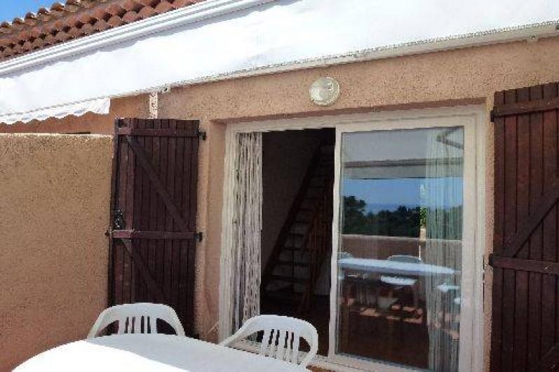 Location de vacances - Appartement à Le Lavandou - Studio-cabine-mezzanine la terrasse