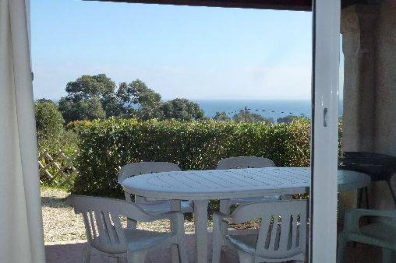 Location de vacances - Appartement à Le Lavandou - terrasse du rez de jardin