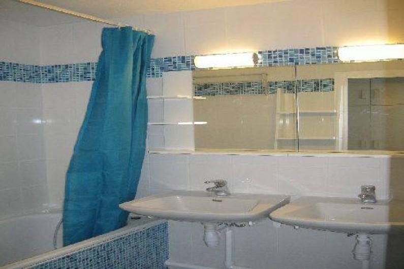 Location de vacances - Appartement à Les Menuires - Salle de bain