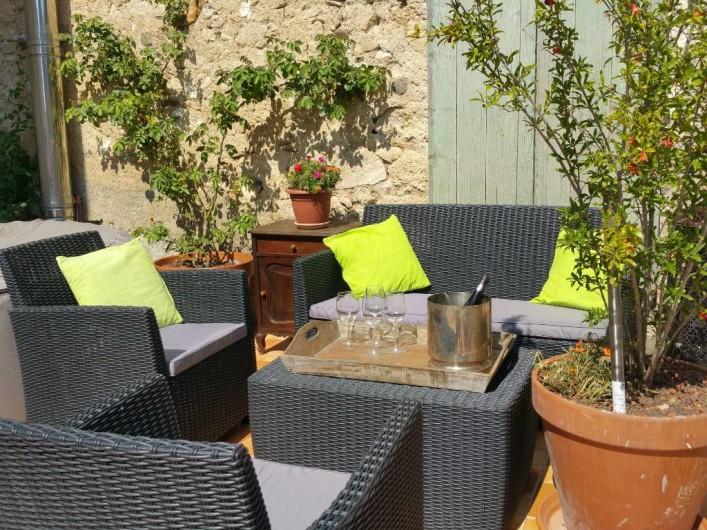 Location de vacances - Maison - Villa à Pouzolles - terrasse