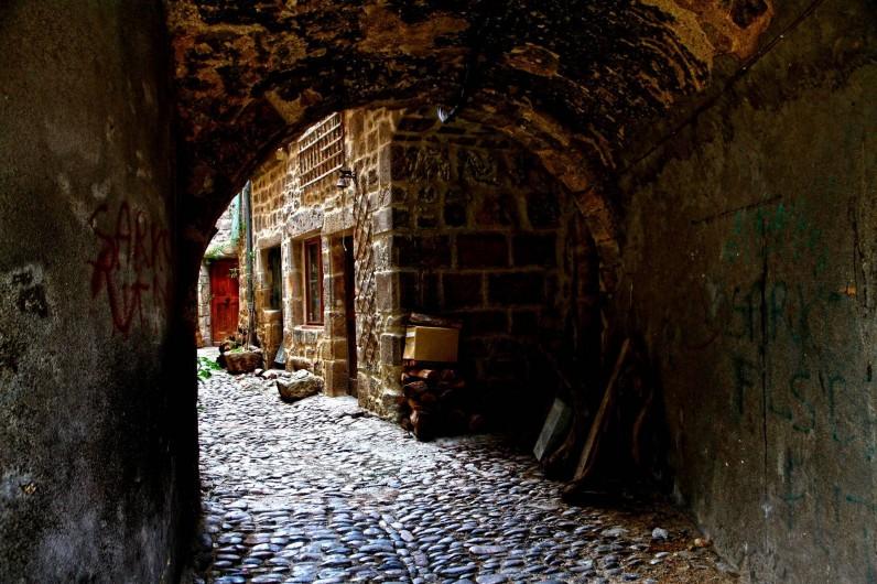 Location de vacances - Chalet à Joyeuse - Cité médiévale