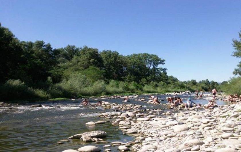 """Location de vacances - Chalet à Joyeuse - La rivière """"La Beaume"""" à 10 mn à pied"""